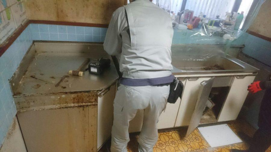 既存キッチン解体
