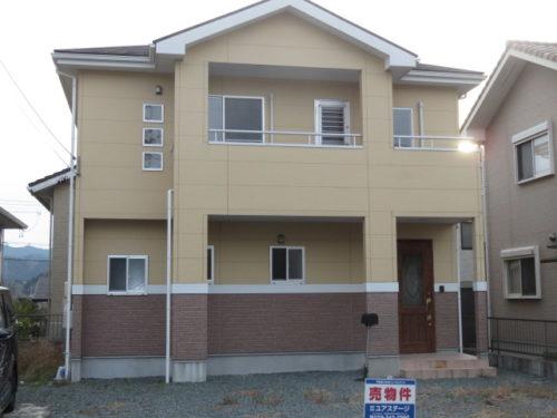 中古一戸建て:松阪市久保町☆広々浴室と4台以上駐車可能!
